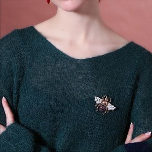 Jewelry - NEW! Bee brooch